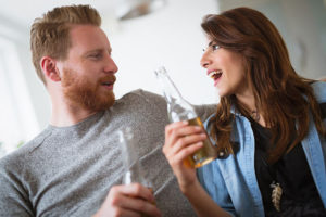 Como conquistar uma mulher mais nova facilmente